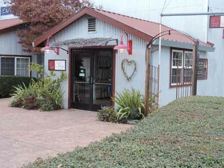 Tasting Rooms Threatening To Overtax Healdsburg And Sonoma